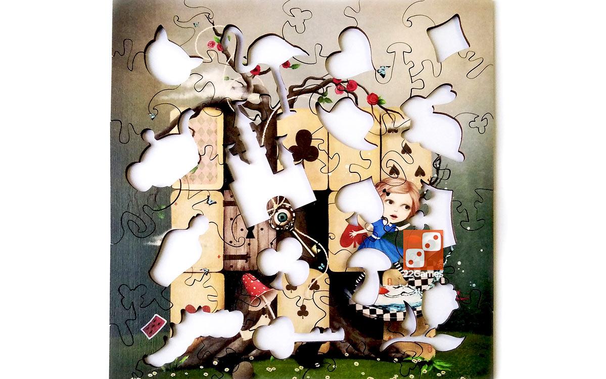 Фигурный деревянный пазл «Алиса в стране чудес»