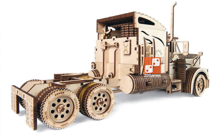 Большой тягач VM-03 UGEARS